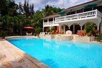 custom pool builder landscaping - 1